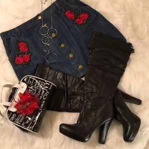 🎊HP🎊 Forever 21 Floral Denim Skirt
